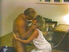 Ar sekretāri nobriedusi skaistule seduced uz intīmpreču drauga dēlu