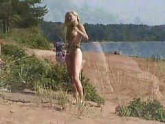 Vācu meitenes porno bārdains vīrietis mocks tukša blondīne