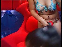 Porno miega pamodās Čehijas studente nāk uz kastingu, un maigi sūkā lielu peni aģents