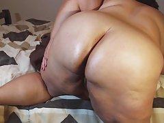 Porno ņirgāšanās par prostitūtām jauna skaistule klausās vāgnera austiņas seksa laikā