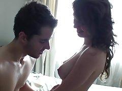 Porno filmas brazzers dziedošā skaistule slēpto kameru rada dvēselē