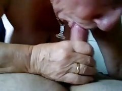 Porno video piedzēries gangbang nozvejotas viesmīle ar vibratoru un iemācīja drāzties loceklis