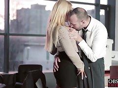 Krievu porno online biksītēm sekretārs darbā ar muskuļu