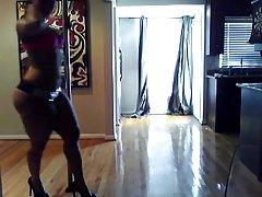 Skatīties porn video ar elektriķis brunete svītrainām zeķes